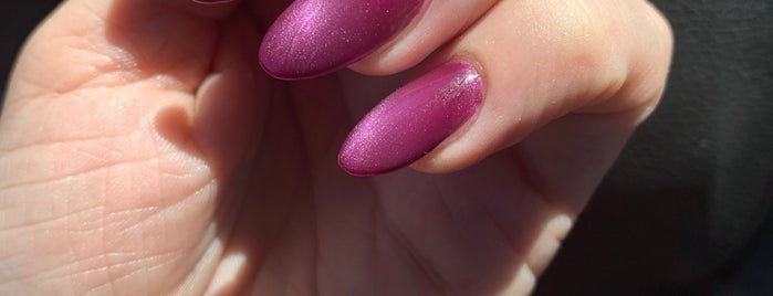 Nails and Spa by Lauren is one of Toriさんの保存済みスポット.