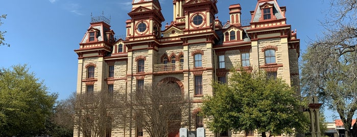 Lockhart, TX is one of Lugares favoritos de Andrew.