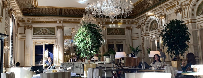 Le Lobby is one of Restaurants.