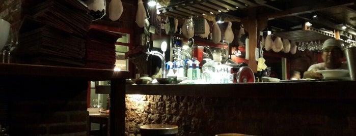 Bar de Tapas is one of Lugares favoritos de Matias.