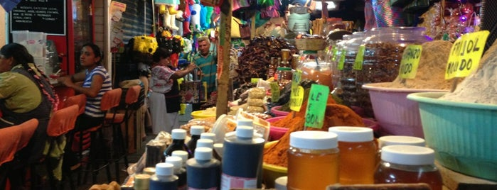 Mercado Benito Juárez is one of CDMX e Oaxaca.
