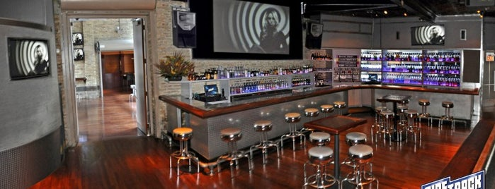 Sidetrack is one of Be a Local in Lakeview.