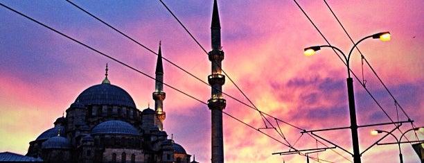 Eminönü Meydanı is one of Istanbul City Guide.