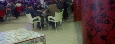 Cafe +18 is one of Kocaeli Üniversitesi KOÜ Mekanları.