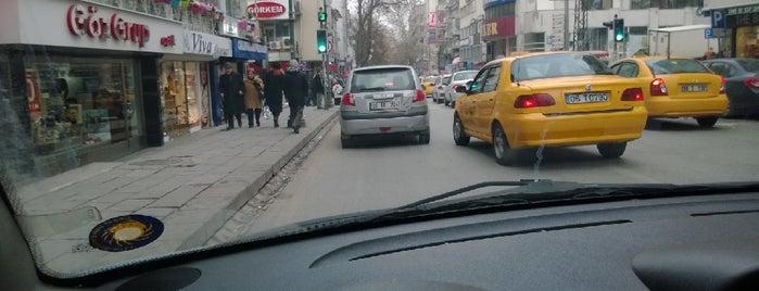 Tunalı Hilmi Caddesi is one of Locais salvos de LMN.