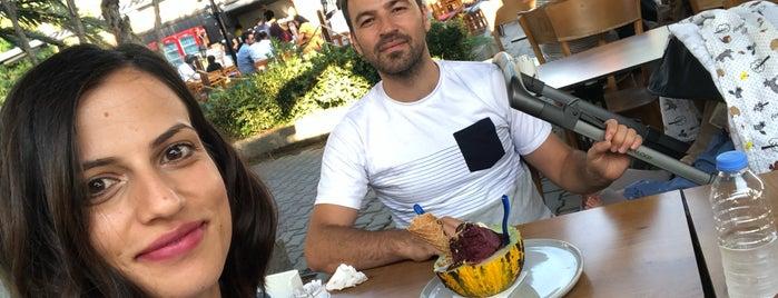 Meşhur Sakızlı Girit Dondurmacısı is one of R.Semaさんの保存済みスポット.