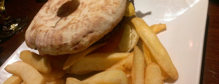 Moon Cafè is one of Burgers.