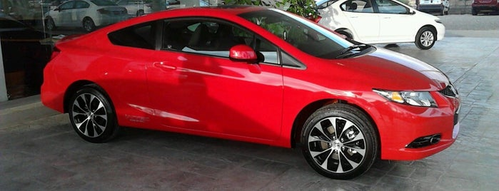 Honda ROCA Elite @HondaIrapuato is one of Orte, die Armando gefallen.