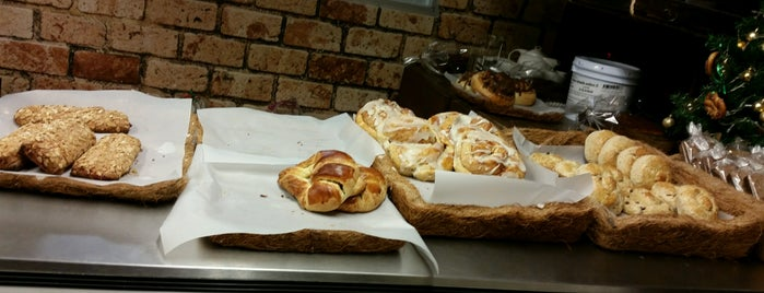 Roggenbrot Panadería is one of Lieux qui ont plu à Ana.