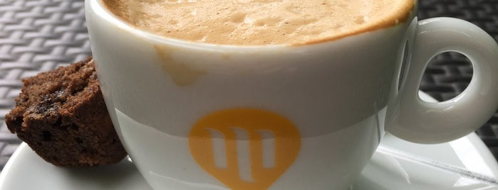 NAI Food & Coffee is one of Posti che sono piaciuti a Dayana.
