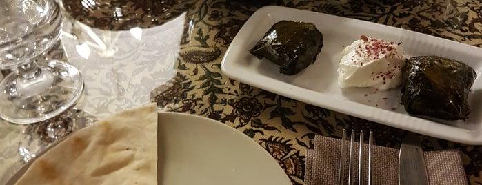 Persian Food is one of Julian 님이 저장한 장소.