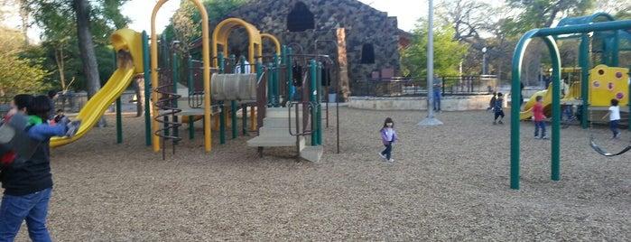 Brackenridge Park Playground is one of Marissa 님이 좋아한 장소.
