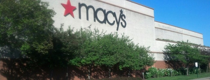 Macy's is one of Lugares favoritos de NeeCee.