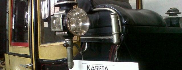 Museum Kereta Keraton Yogyakarta is one of Museum In Indonesia.