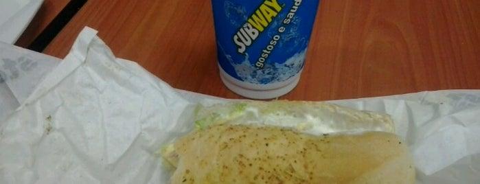 Subway is one of compartilhar com amigos.