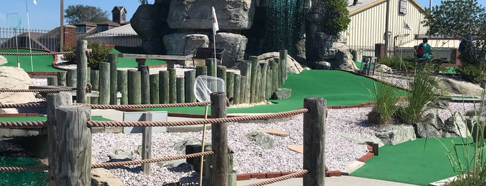 Cape May Mini Golf and Cococmoe's Ice Cream Parlor is one of Foodie NJ Shore 1.