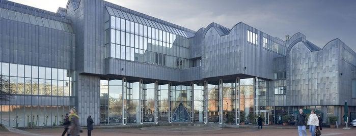 ルートヴィヒ美術館 is one of Köln / Cologne: Attractions & Culture.