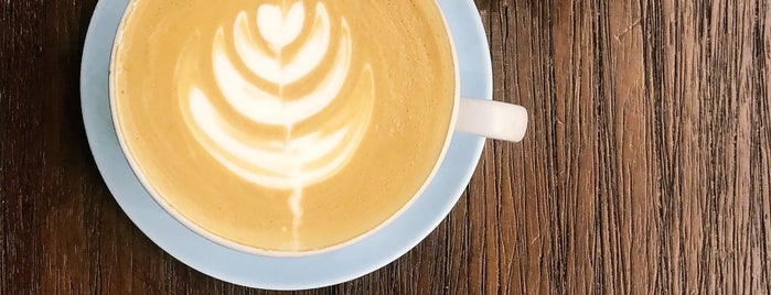 The Brass Coffee & Community is one of สถานที่ที่ Zeynep ถูกใจ.