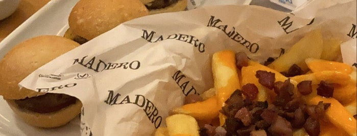 Madero Steak House is one of Pracas.