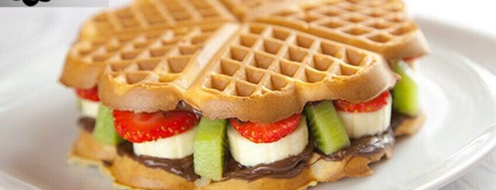 Waffle'cı Akın + Plus is one of Lugares favoritos de Mehmet Ali.