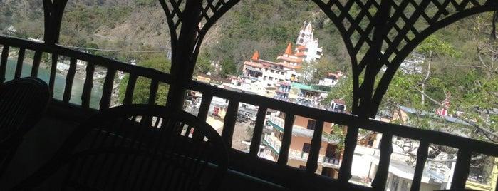 The Little Buddha Cafe is one of สถานที่ที่ John ถูกใจ.