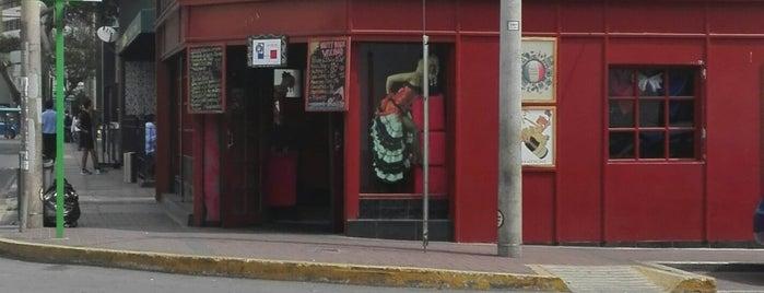 Le Celtic - Le  Temple Bar is one of Llama-rama.