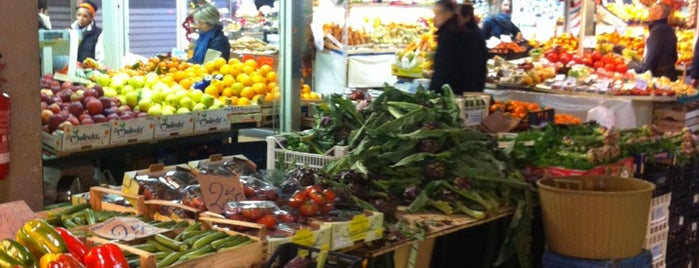Nuovo Mercato Trionfale is one of Food To-Do a Roma.