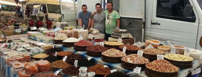 Çesme Pazarı is one of Posti che sono piaciuti a ceren nazli.