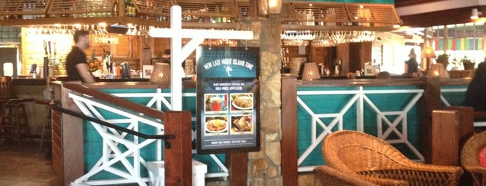 Bahama Breeze is one of Orte, die Topher gefallen.