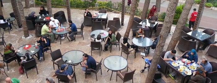 Enghelab Sport Complex Food Court | فود کورت باشگاه انقلاب is one of Posti che sono piaciuti a Mahtab.