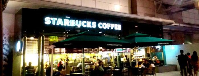 Starbucks is one of Chriz Phoebe 님이 좋아한 장소.