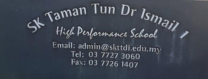 Sekolah Kebangsaan Taman Tun Dr Ismail 1 is one of Lugares favoritos de Rahmat.