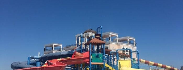 Sunset Aquapark is one of 83'ın Beğendiği Mekanlar.