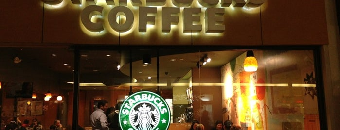 Starbucks is one of Locais curtidos por Silvia.