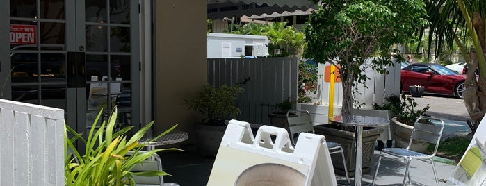 Waikiki Cake Boutique is one of Hawaii 2019🌺.