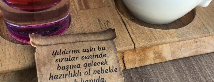 Cafe De'loca is one of Posti che sono piaciuti a Mustafa.