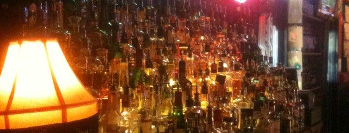 Lizardville Beer Store & Whiskey Bar is one of Christy'in Beğendiği Mekanlar.