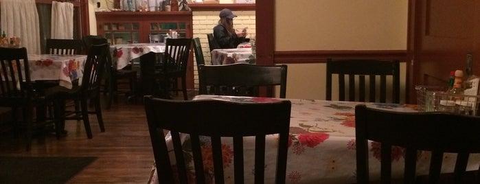 Farmers Table Restaurant is one of Orte, die Brandy gefallen.