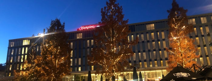 Hampton by Hilton Amsterdam Centre East is one of Orte, die Olcay gefallen.
