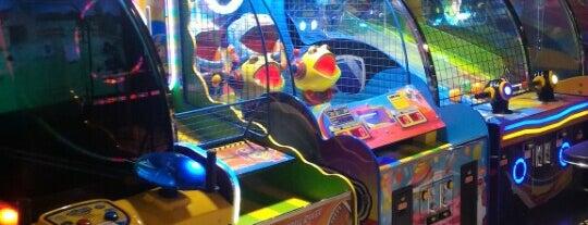 Дитячий розважальний центр «ГуліверіЯ» is one of Tempat yang Disukai Lucy🔥.