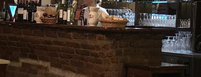 L'osteria - Cucina Con Vineria is one of Carolina 님이 저장한 장소.