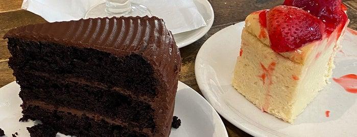 Martha's Country Bakery is one of Locais curtidos por Alika.