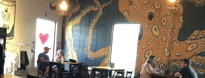 Niantic Public House & Brewery is one of Breweries I've been to.