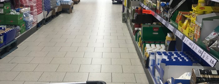 Lidl is one of Aylinさんのお気に入りスポット.