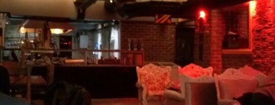 Stone Age Cafe & Restaurant is one of Tempat yang Disukai Sedaytac.