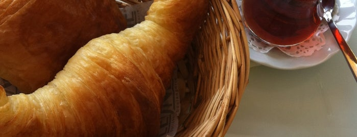Léone Patisserie & Boulangerie is one of İZMİR EATING AND DRINKING GUIDE-2.