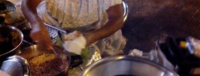 Acaraje da Baiana is one of comida baiana.