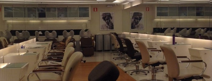 Werner Coiffeur is one of Tempat yang Disukai Fabio.