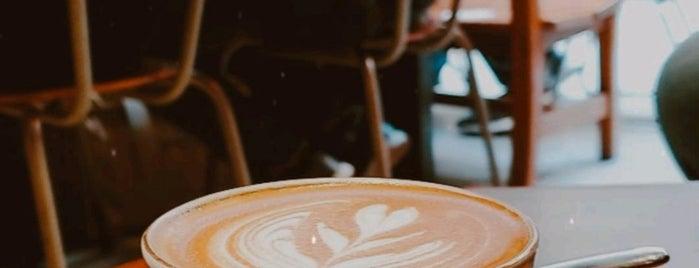 Halfway Coffee is one of Hk.