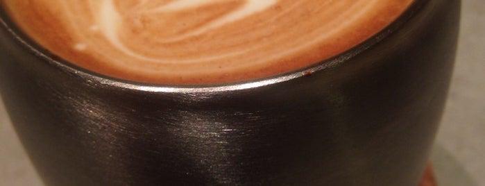 Lattest Azabujuban Espresso&Bar is one of Tokyo Coffee (東京都コーヒー).